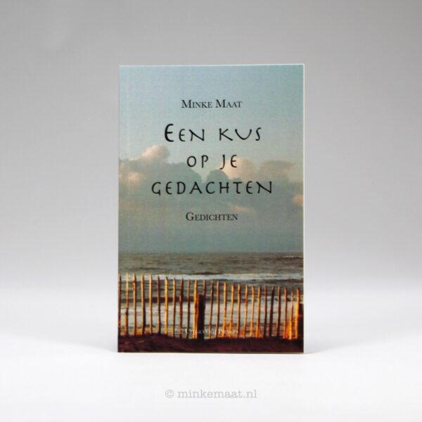 Boek Een kus op je gedachten - Minke Maat