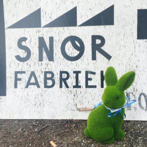 Hop hop naar de Snorfabriek